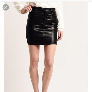 Agolde Lydia 5 pocket leatherette skirt